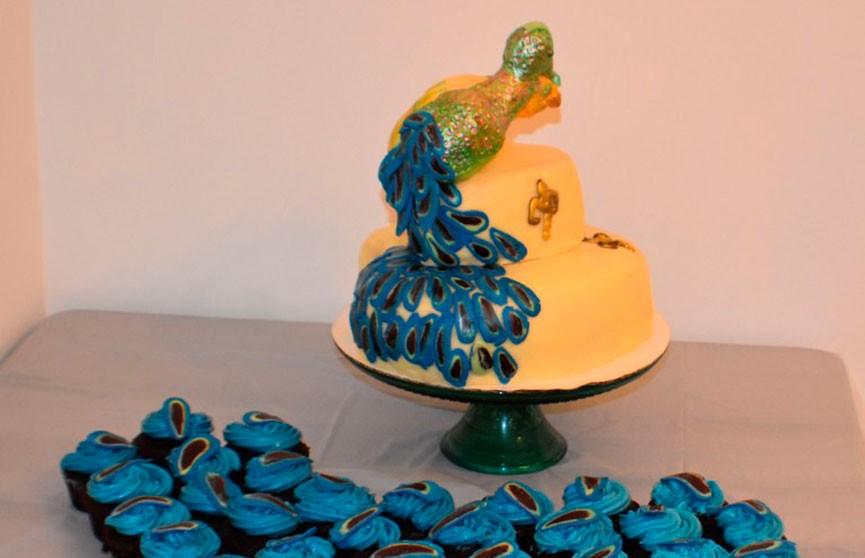 Ожидание vs реальность: свадебный торт довел невесту до нервного срыва