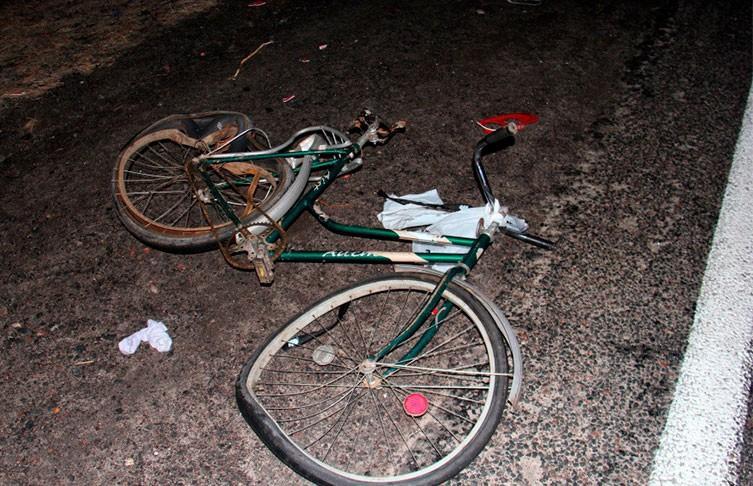 Фура насмерть сбила велосипедиста в Добрушском районе
