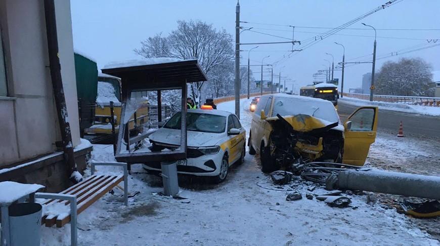 В Минске на одной улице произошло два ДТП с разницей в пару минут. Есть пострадавшие