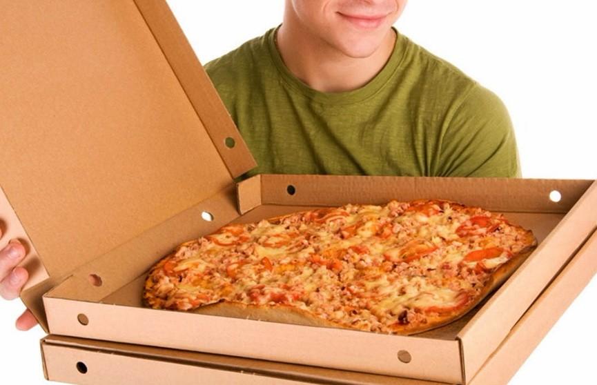 Доставщик пиццы спас похищенную женщину