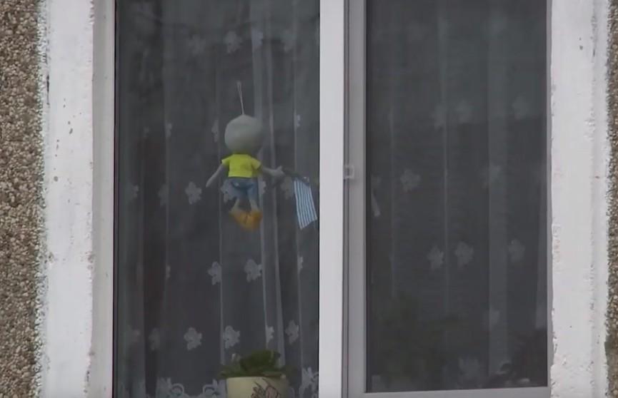 9-месячный ребёнок выпал из окна: следователи убеждены, что малыш не мог сделать это самостоятельно