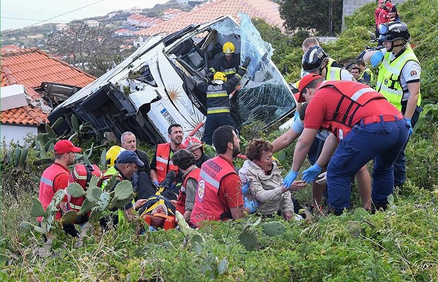 Видео с места аварии туристического автобуса в Португалии попало в Сеть
