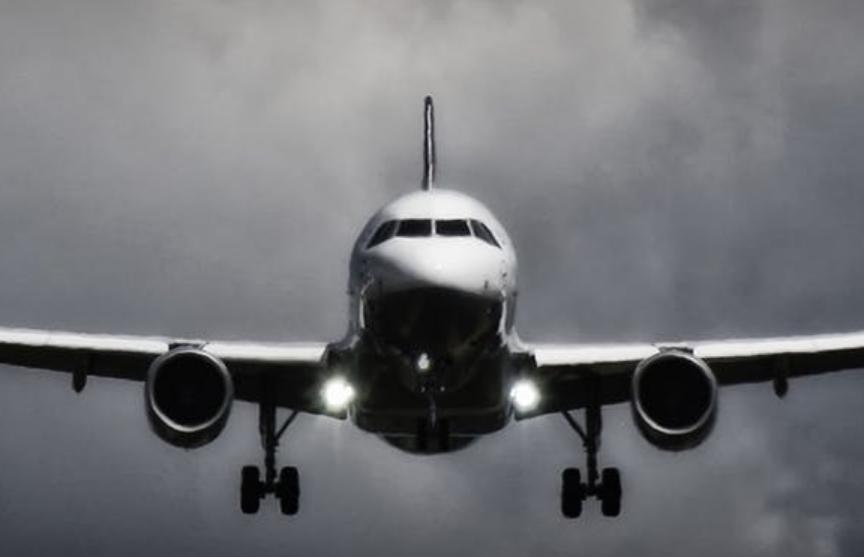В Камеруне обстреляли пассажирский самолет