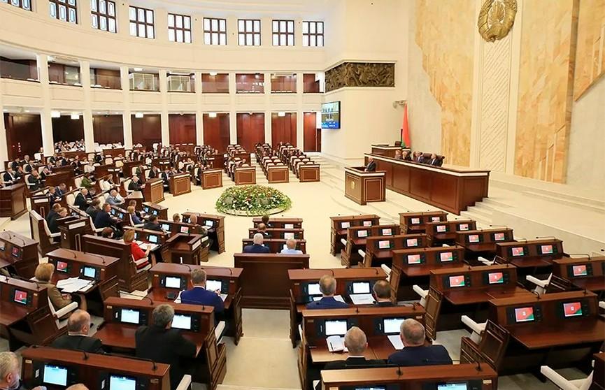 В парламенте обсуждают поправки в закон «О рекламе»
