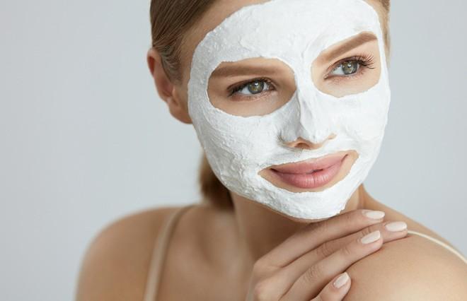 3 маски для лица из простых аптечных ингредиентов, которые вернут коже красоту