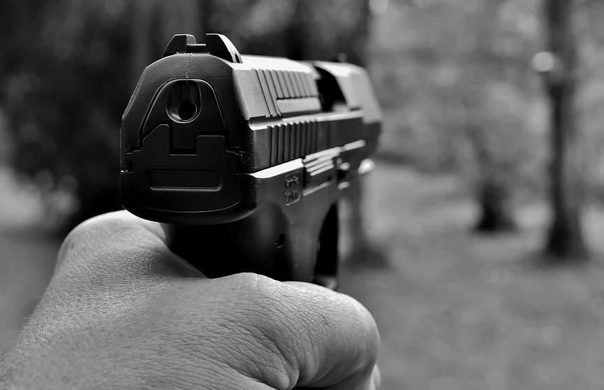 Неизвестный расстрелял автобус с 15 пассажирами в России