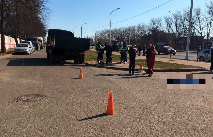 МАЗ сбил высадившегося пассажира в Минске