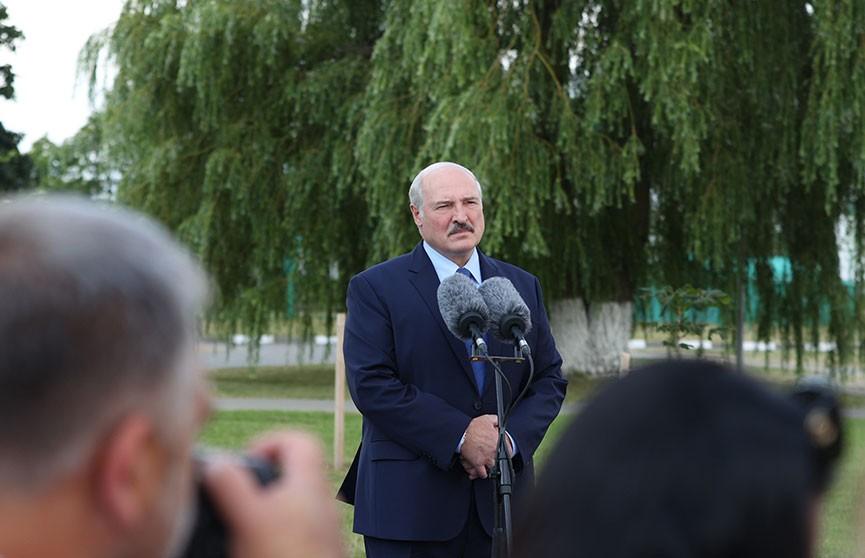 Лукашенко: Беларусь будет покупать нефть и газ там, где ей это удобно