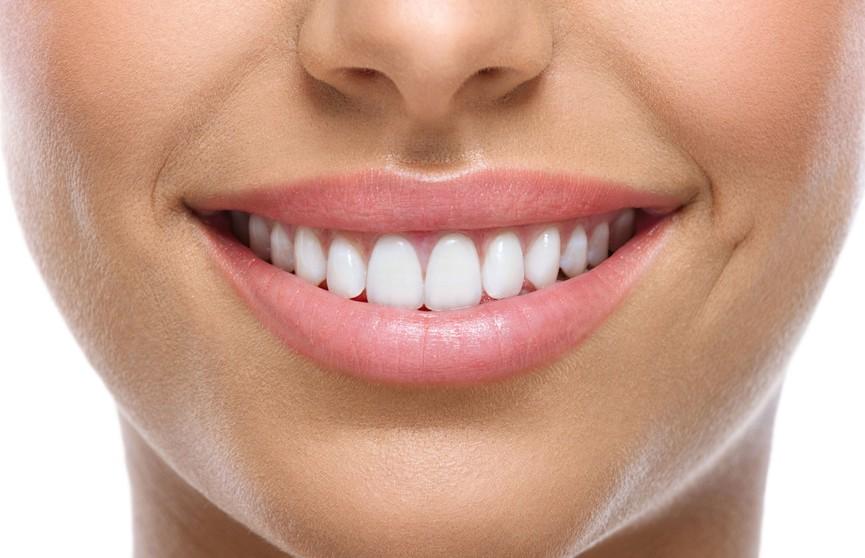 У кого появляется кариес и как часто чистить зубы? Стоматолог развеяла популярные мифы