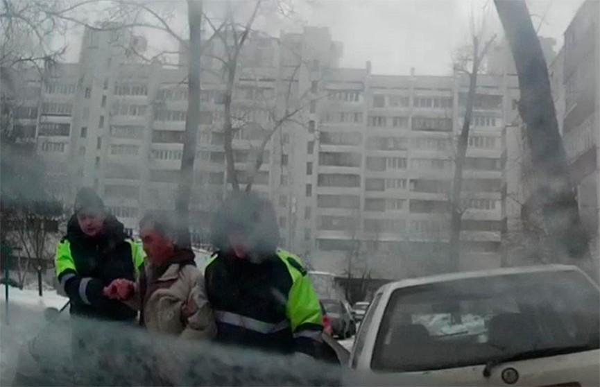 Пьяного водителя задержали в Минске: мужчина еле стоял на ногах