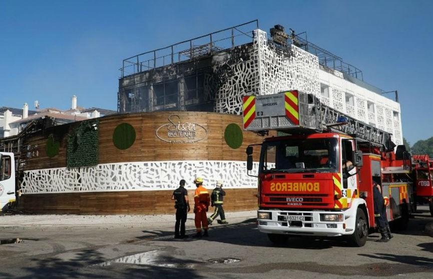 Сильный пожар в испанском отеле: погиб человек, 9 ранены