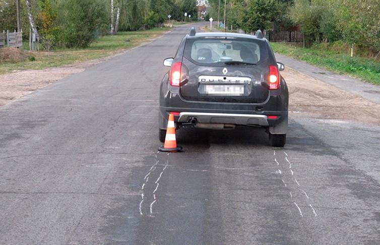 8-летний мальчик перебегал дорогу вне перехода и попал под колёса легковушки в Бресте
