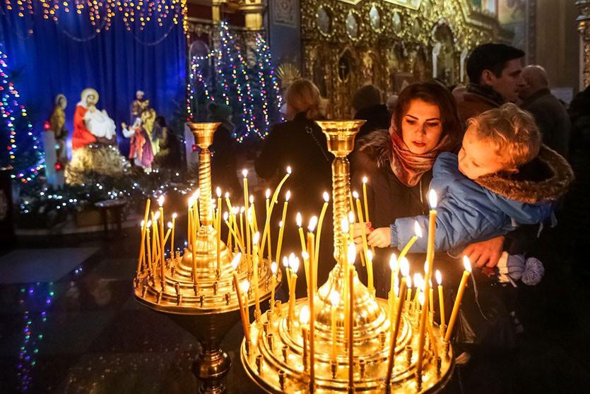 Александр Лукашенко поздравил православных верующих Беларуси с Рождеством Христовым
