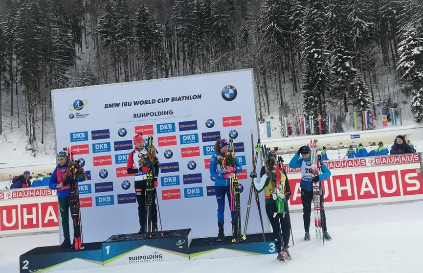 Анастасия Кузьмина не оставила шансов соперницам в женской спринтерской гонке на этапе Кубка мира в Рупольдинге
