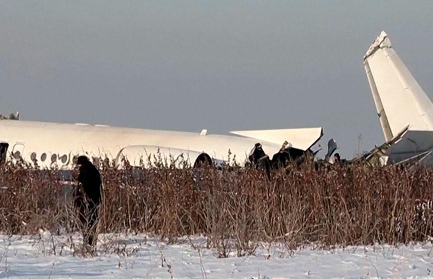 Версии крушения самолета озвучили в МВД Казахстана