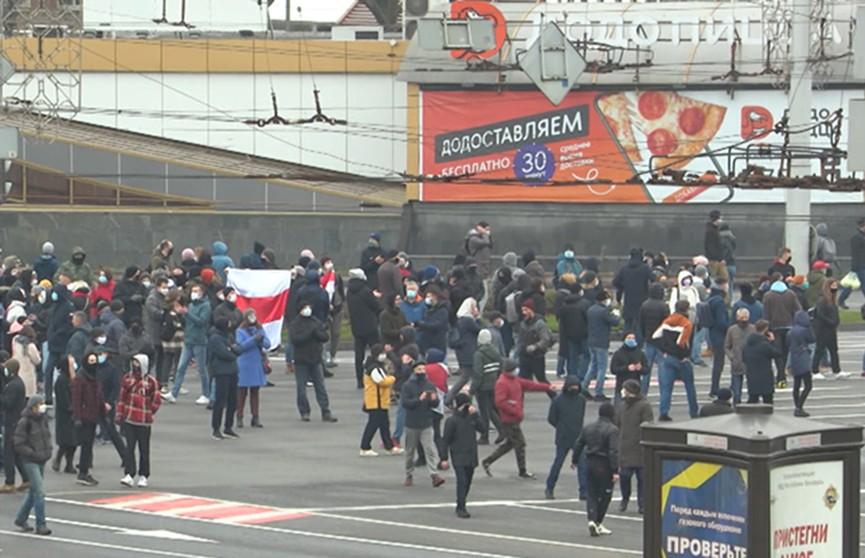 Беспорядки выходного дня в Минске: потеряли в численности, но радикализировались
