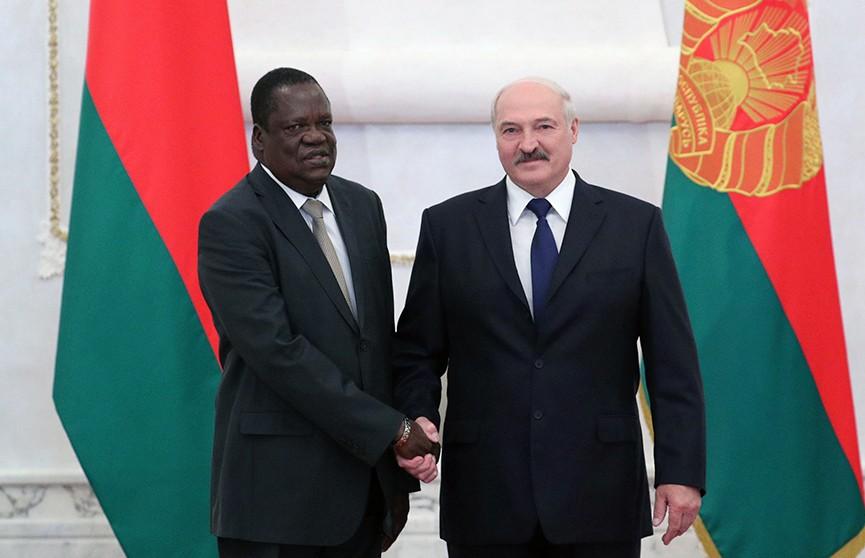 Александр Лукашенко принял верительные грамоты послов девяти государств