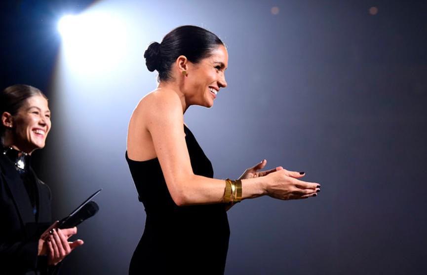 Меган Маркл удивила присутствием на премии Fashion Awards