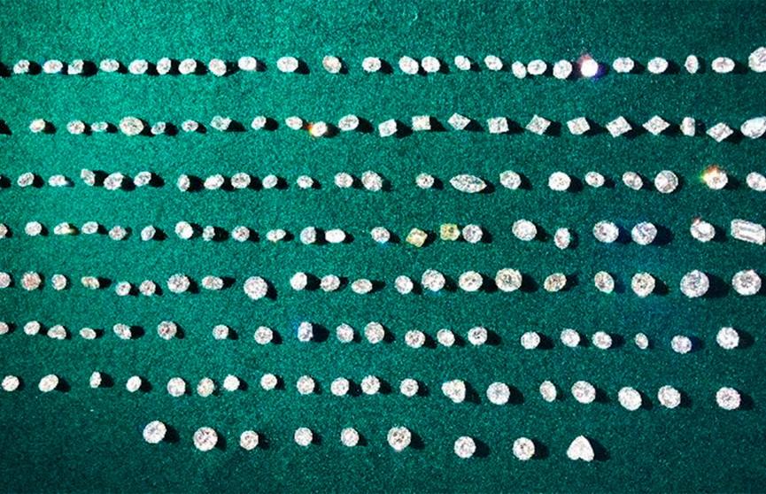 Крупнейшую партию контрабандных бриллиантов стоимостью $3,22 млн выявили в Гонконге