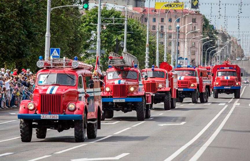 День пожарного отметят парадом и авиашоу сегодня в Минске