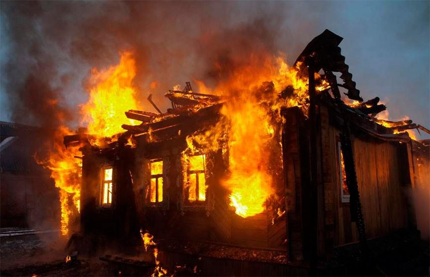 Мать и сын погибли при пожаре в Минском районе