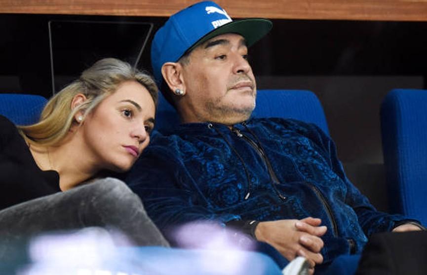 Диего Марадона сделал предложение своей девушке