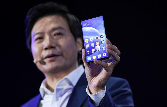 Основателя Xiaomi поймали на использовании iPhone