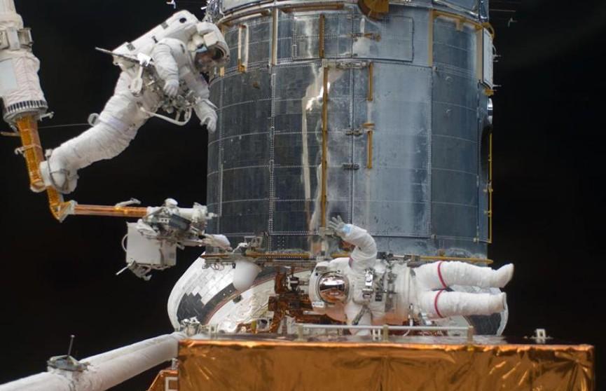 Астронавты сыграли в теннис на МКС