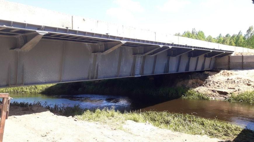 Через реку Рова в Борисовском районе построен временный мост