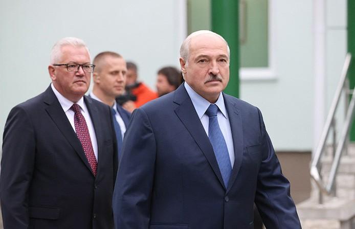 Александр Лукашенко посетил Барановичский колледж сферы обслуживания