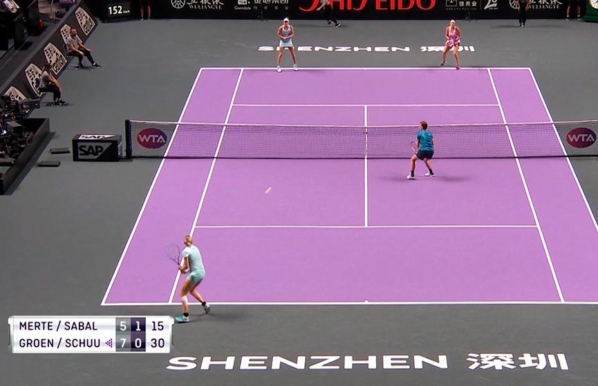 Арина Соболенко  и Элиз Мертенс с поражения стартовали в парном разряде итогового турнира WTA