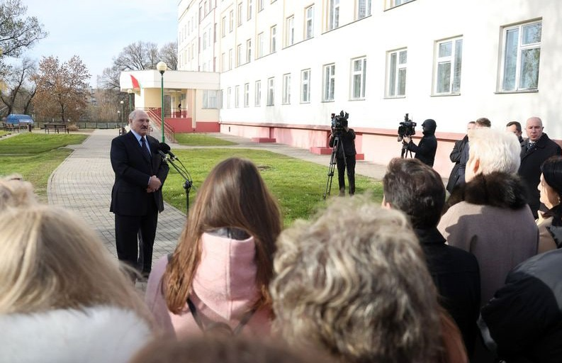 Лукашенко о поставках электроэнергии в Литву и Украину: Людей жалко. Будем помогать
