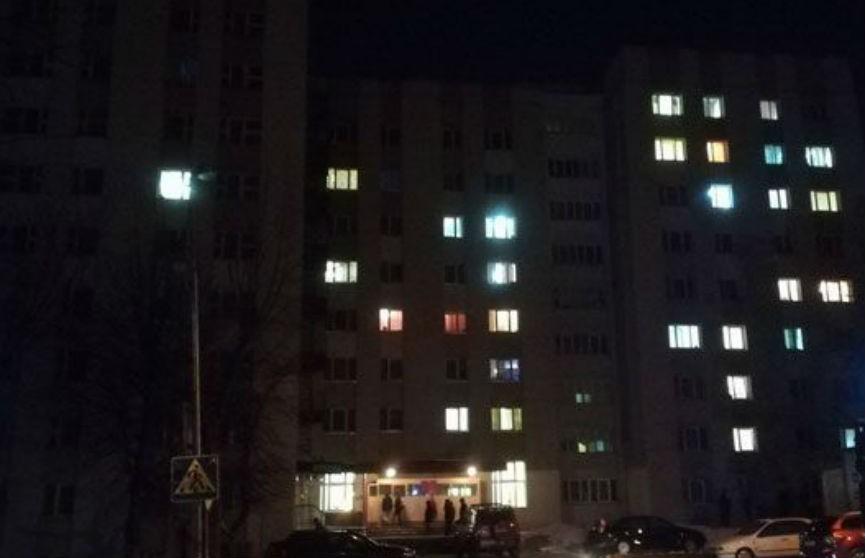 62 человека эвакуировали из общежития ночью – загорелся мусор
