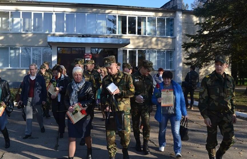 Дни открытых дверей для матерей проходят в воинских частях