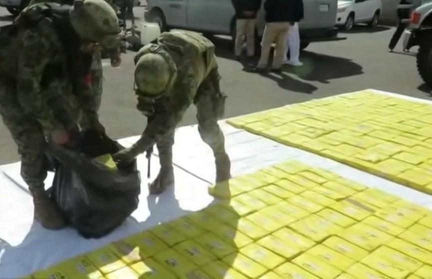 У Мексіцы затрымалі катэр з какаінам: 630 кілаграмаў наркотыкаў спрабавалі перавезці па моры