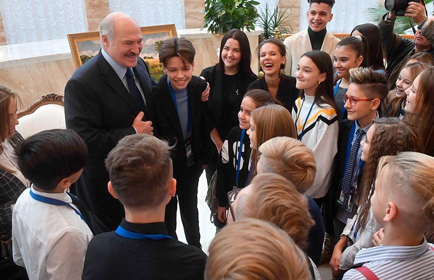 Александр Лукашенко встретился с участниками детского «Евровидения»