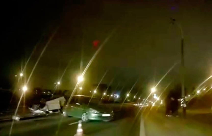 ДТП с участием трех легковушек произошло в Минске