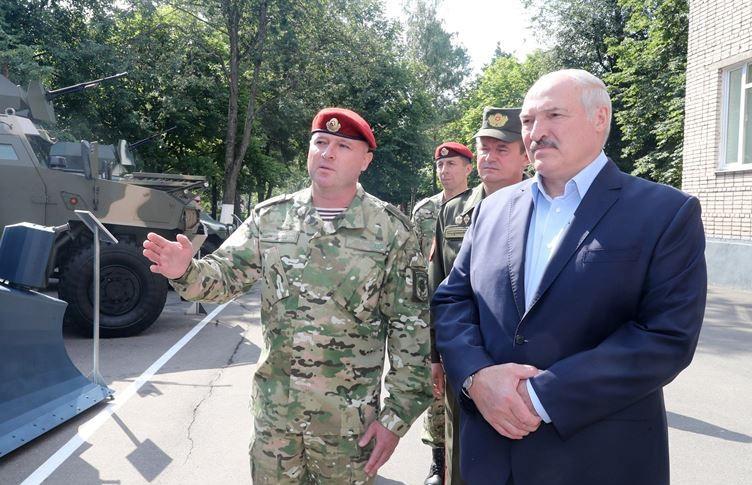 Лукашенко: Вопрос первейший, наиважнейший – сохранить страну