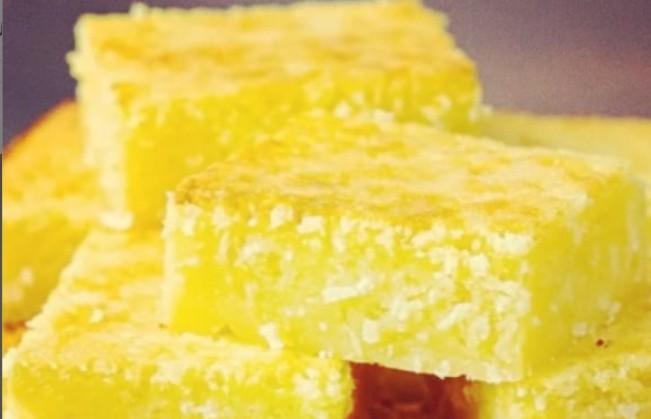 «Готовятся просто, один минус – съедаются быстро». Актриса Наталия Антонова поделилась рецептом нежных лимонных пирожных