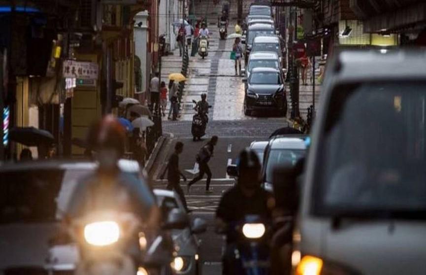 Автомобиль въехал в прохожих в Китае: погибли три человека