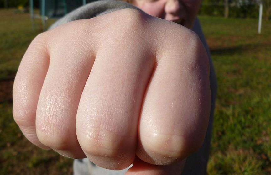 В России старшеклассники избили ученика из-за его ссоры с ровесницей