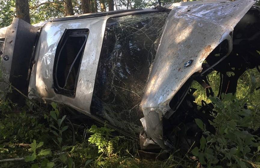 BMW вылетел в кювет недалеко от Узды: погибли два парня