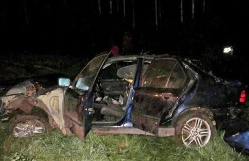 Автомобиль с компанией молодых людей опрокинулся на трассе М1 в Ивацевичском районе