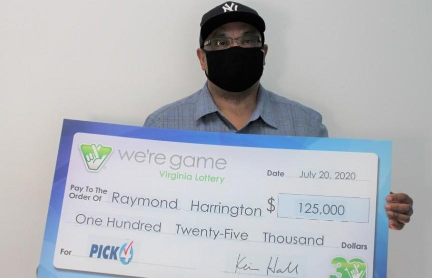 Мужчина купил 25 одинаковых лотерейных билетов и сорвал 25 джекпотов