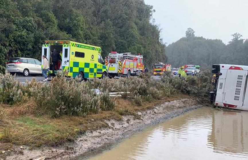 ДТП с туристическим автобусом в Новой Зеландии: шесть человек погибли