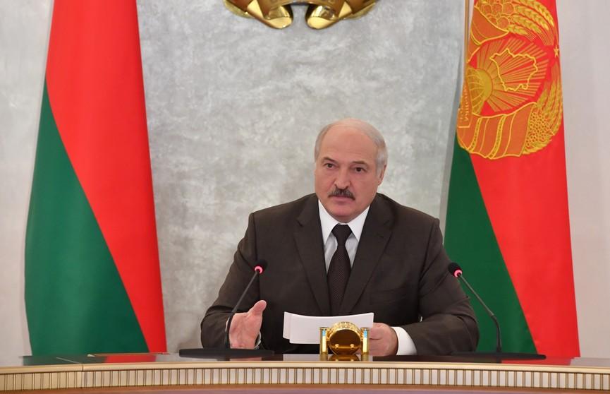 Александр Лукашенко: «Надо научиться отвечать распространителям фейков»