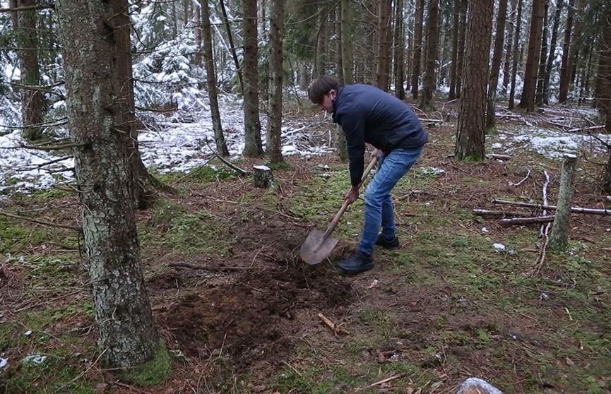 Лихой привет из 90-х. Неизвестные выкрали мужчину из собственного дома, вывезли в лес и заставили рыть могилу