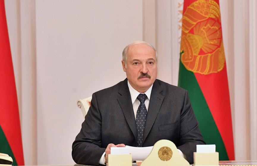 Лукашенко: главное для нас сегодня – это лечение людей – пневмонии
