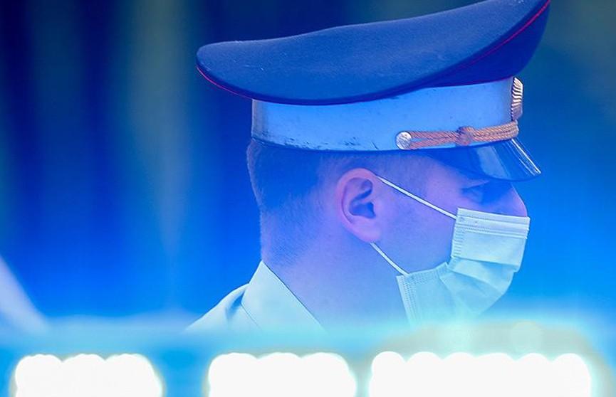 Пьяный мужчина напал на полицейского в центре Москвы