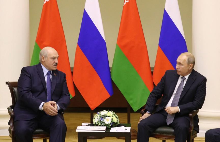 Лукашенко предлагает снять все проблемные вопросы между Беларусью и Россией к 20-летию союзного договора